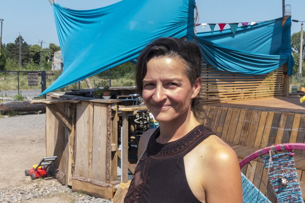 """Nina Weling vom Betreiberverein des Cafés """"Heiter bis wolkig"""""""