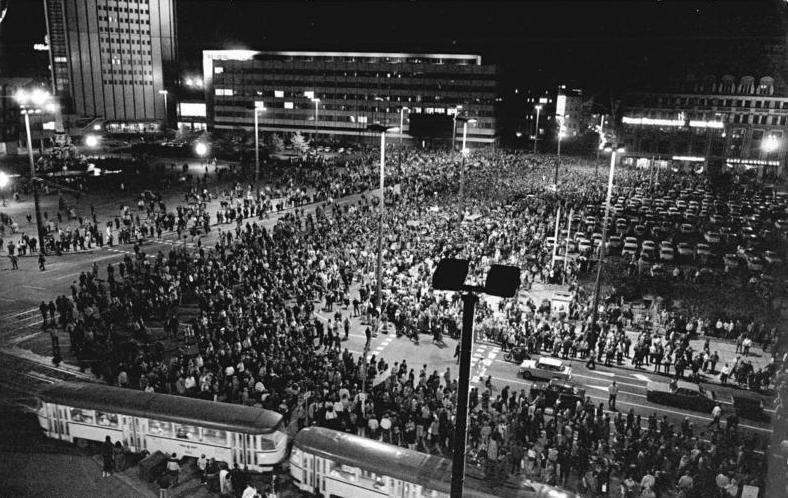 Montagsdemonstration auf dem heutigen Augustusplatz