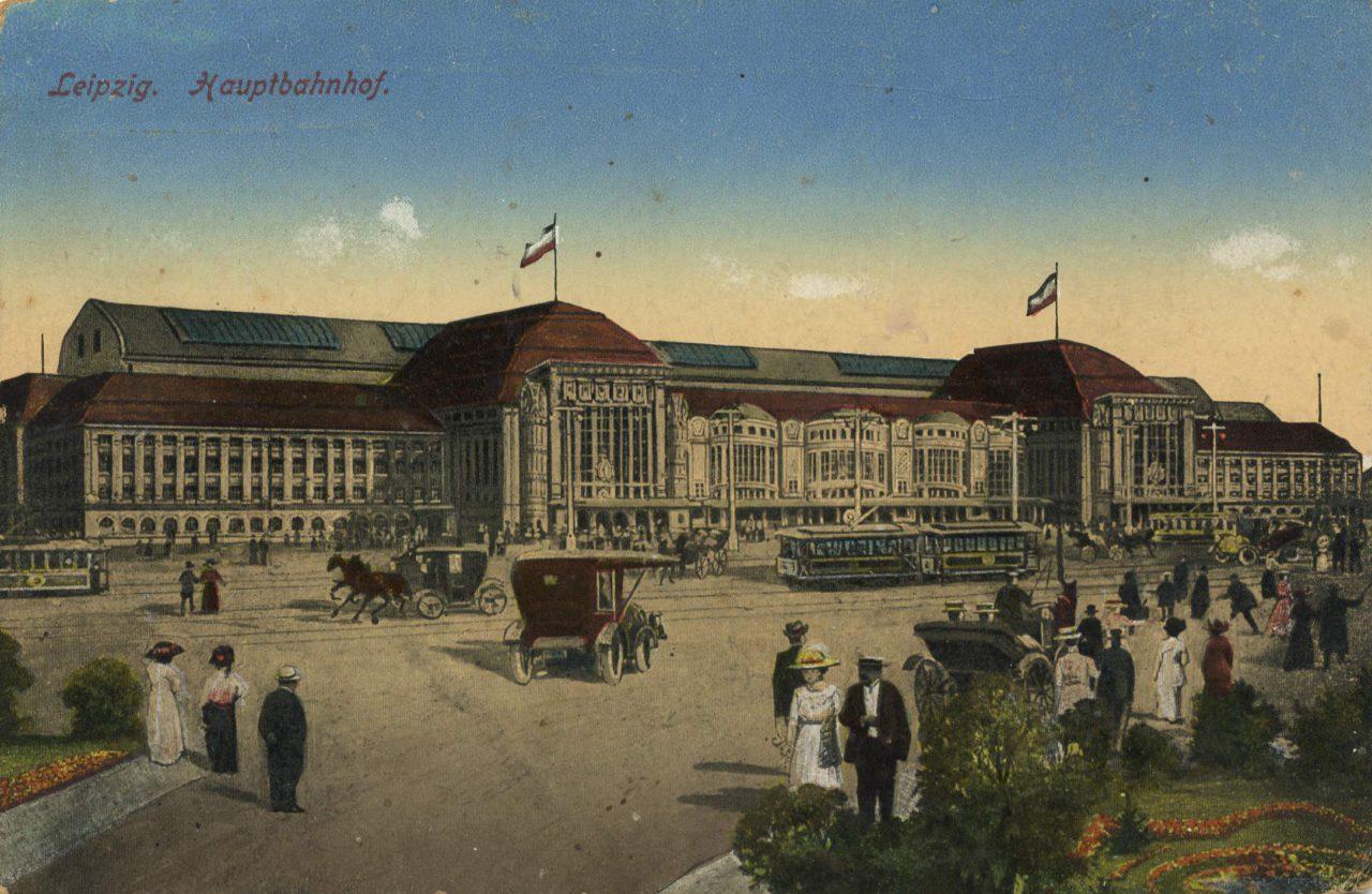 Der Leipziger Hauptbahnhof auf einer historischen Postkarte
